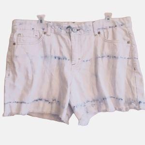 Jordache | light acid wash tidye cutoff shorts